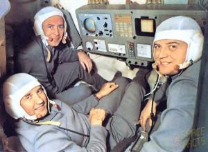 Uzay Gemisi İçinde Astronotlar
